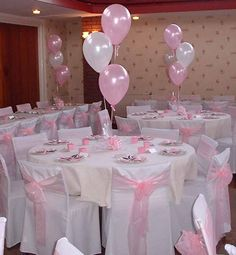 Table And Chair Covers For Weddings - Wedding and Bridal Inspiration Hot Air Balloon Centerpieces, Diy Hot Air Balloons, Baby Shower Centerpieces, Birthday Centerpieces, White Balloons, Girl Baby Shower Decorations, Baby Decor, Baby Shower Themes, Baby Shower Table Set Up