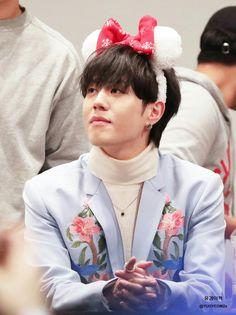 181208 Yugyeom at Yeongdeungpo fansign cr: YUGYEOM2s