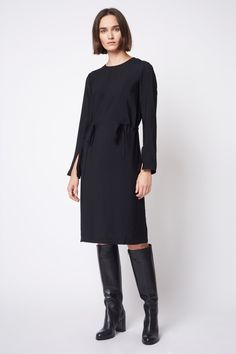 Martha is a loose fitted dress with adjustable drawstrings in the waist. The sleeves are elaborated with slit details which gives a flowy and expressive impression. Dagmar 2017