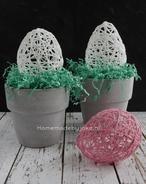 Paaseieren van wol, leuk om te knutselen voor Pasen. Je hebt allen maar wol, lijm en een ballon nodig. Er staat een DIY op mijn blog Homemade by Joke.