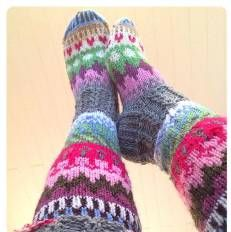 Sukkakori, Wool Socks, värikkäät villasukat, knitting, 7 veljestä, polvisukat, knee, colorfull, ideas, knee highs