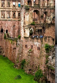Heidelberg Castle in Heidelberg Germany. Seen it, fortunate enough to have lived in Heidelberg! Romantic Places, Beautiful Places, Germany Castles, Germany Travel, Places To See, Around The Worlds, Bavaria Germany, Explore, Footprints