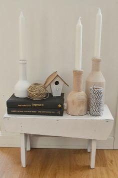 På oldemors skammel Candles, Living Room, Candy, Home Living Room, Drawing Room, Candle Sticks, Lounge, Family Rooms, Dining Room