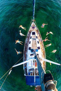 http://yachts-class-luxury.tumblr.com/
