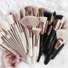 hübsche Make-up Pinsel - Make-up Pinsel - - Makeup Tips Color Correcting Makeup Brush Set, Makeup Kit, Skin Makeup, Makeup Inspo, Makeup Inspiration, Beauty Makeup, Makeup Style, Makeup Contouring, Elf Makeup