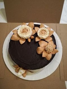 black and gold rose cake