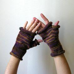 Fingerless Gloves Knitted in Variegated Purple and Brown   knitBranda