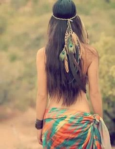 bohemian boho style hippy hippie chic bohème vibe gypsy fashion indie folk look outfit Boho Hippie, Hippie Love, Boho Gypsy, Hippie Hair, Boho Girl, Hippie Vibes, Gypsy Hair, Beach Hippie, Vintage Hippie