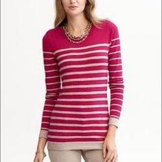 BANANA REPUBLIC FUSCHIA sweater Classy! And perfect splash of color Banana Republic Sweaters Crew & Scoop Necks