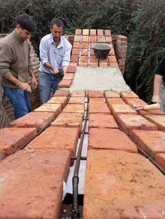 Experiencia pedagógica en Argentina: nuevas posibilidades de construcción con Ladrillo Building Structure, Brick Building, Building Design, Detail Architecture, Brick Architecture, Back Garden Landscaping, Outdoor Landscaping, Brick Art, Brick Construction