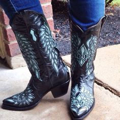 New boots from Bodacious Boot Co! Love the turquoise cut outs!