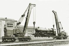 GWR Nos. 2 & 3 lifting 4088 Dartmouth Castle at Swindon in July 1925