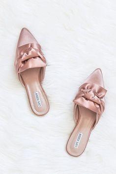 65ac0fc11c8e 53 najlepších obrázkov na nástenke Shoes na Pintereste v roku 2019 ...