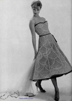 Chanel Haute Couture, Spring 1957. Couture Allure Vintage Fashion