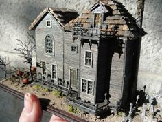 1 144 scale miniature dilapidated haunted dollhouse mansion scratch built 1:144