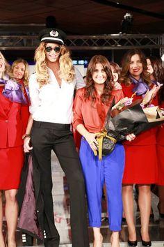 Elle 'the body' Macpherson modelling the newly launched Virgin Blue (now Virgin Australia) cabin crew uniform