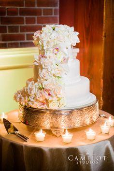 The Leob Boathouse Central Park wedding cake