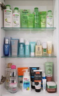 Skincare Not To Mix during Korean Skincare Steps Order.- Skincare Not To Mix during Korean Skincare Steps Order. Korean Skin Care Product… Skincare Not To Mix during Korean Skincare Steps Order. Korean Skin Care Products To Buy - Korean Skincare Steps, Korean Skincare Routine, Diy Skin Care, Skin Care Tips, Organic Skin Care, Natural Skin Care, Natural Beauty, 10 Step Korean Skin Care, Black Skin Care