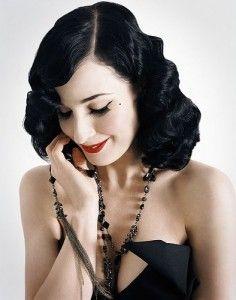 dita von teese pin up Dita Von Teese, Retro Hairstyles, Wedding Hairstyles, Elegant Hairstyles, Maquillaje Pin Up, Pelo Retro, Pelo Vintage, Vintage Waves, Peinados Pin Up