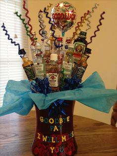 Alcohol bouquet for co-worker's farewell. Goodbye Gifts For Coworkers, Small Gifts For Coworkers, Going Away Parties, Going Away Gifts, Craft Gifts, Diy Gifts, Best Gifts, Farewell Gifts, Farewell Parties