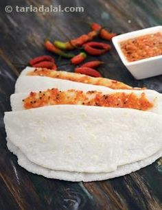 The pure taste of cooked rice flour is soothing and satiating at the same time… Indian Bread Recipes, Veg Recipes, Gourmet Recipes, Dinner Recipes, Maharashtrian Recipes, Gujarati Recipes, Indian Breakfast, Breakfast For Dinner, Veg Dishes