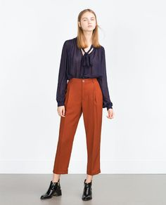 FLOWING TROUSERS WITH PLEAT
