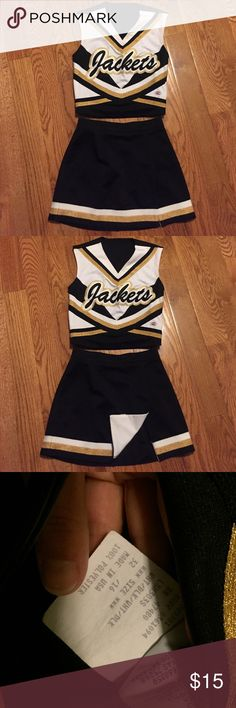*Attention all moms! Cheerleading uniform Cheerleading uniform! Sizes are listed in pictures. Other