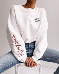 There is 1 tip to buy sweater. Tee Shirt Designs, Tee Design, Mode Outfits, Fashion Outfits, Style Fashion, Mode Hijab, Mode Inspiration, Apparel Design, Cute Casual Outfits