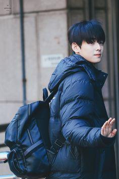 Lee Hyun Woo, Joon Hyuk, Cha Eunwoo Astro, Lee Dong Min, Best Photo Poses, Asian Boys, Suho, True Beauty, Boyfriend Material