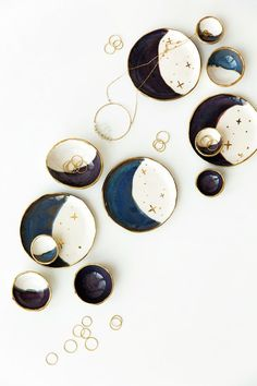 Moderner Schmuck-Catchall: Lila Gold Crescent Moon & Stars Plate Source by etsy Slab Pottery, Ceramic Pottery, Ceramic Art, Ceramic Bowls, Thrown Pottery, Ceramic Jewelry, Lila Gold, Purple Gold, Deep Purple