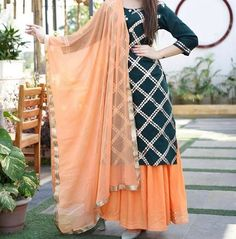 Indian kurta dress With dupatta pant Flare Top Tunic Set blouse Combo Party Wear Indian Dresses, Pakistani Dresses Casual, Designer Party Wear Dresses, Kurti Designs Party Wear, Dress Indian Style, Indian Fashion Dresses, Pakistani Dress Design, Fashion Outfits, Trendy Fashion