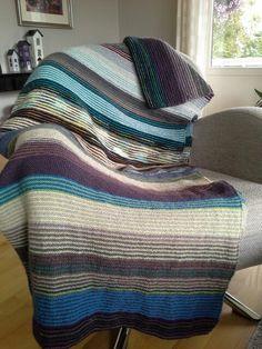 Teppe i restegarn Ravelry, Knit Crochet, Diy Crafts, Knitting, Shawls, My Style, Blankets, Scarves, Blog