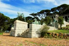 Rhodes Memorial is one of those must-visit sights in the Mother City.
