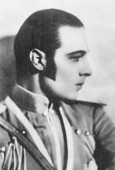 Rudolph Valentino in The Eagle