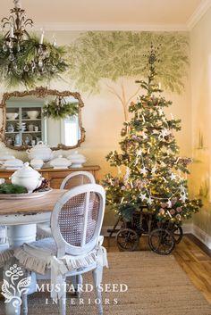 Dining Room Christmas Tree 2018 – Miss Mustard Seed – Decorating Foyer French Country Christmas, Antique Christmas, Rustic Christmas, Christmas Fun, Christmas Decorations, Holiday Decor, Xmas, Christmas Things, Primitive Christmas