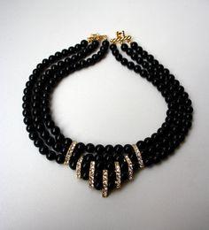 Collar+de+coral+negro.+by+VintageAnDesign+on+Etsy,+€20.00