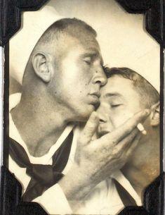 Deux Homme Qui Fait L Amour Pour De Vrai : homme, amour, Idées, Hommes, Hommes,, Vintage,, Photographie, Ancienne