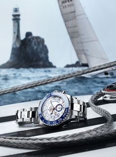 The ultimate skipper's watch, the Rolex Yacht-Master II features a programmable and synchronizable countdown with a mechanical memory. This regatta chronograph is the perfect timing tool for the starting sequence of a race like the iconic Rolex Fastnet Race, on August 6.