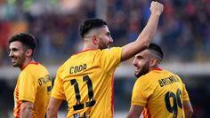 Coda del Benevento festeggia dopo aver segnato alla Sampdoria il 6 gennaio 2018.  #Benevento #seriea