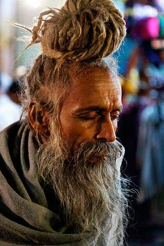 Sadhu concentrating.....Pushkar....Photo by Philippe Tarbouriech
