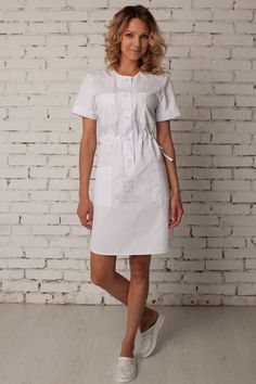 Женский медицинский халат Frock Fashion, Fashion Outfits, Stylish Scrubs, Beauty Uniforms, Nurse Hairstyles, Scrubs Outfit, Casual Dresses, Dresses For Work, Medical Uniforms