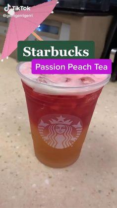 Starbucks Tea, Bebidas Do Starbucks, Healthy Starbucks Drinks, How To Order Starbucks, Yummy Drinks, Starbucks Pink Drink Recipe, Diet Drinks, Beverages, Kreative Desserts