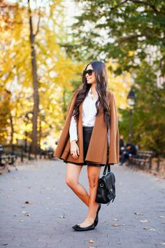 Big brown cape.  Love everything about this outfit!