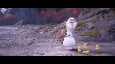 Does Elsa have a girlfriend in frozen Funny Frozen Videos, Frozen Songs, Frozen 2, Disney Frozen, Funny Disney Memes, Disney Jokes, Funny Video Memes, Disney Fails, Princess Videos