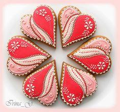 Love these hearts. Fancy Cookies, Heart Cookies, Iced Cookies, Cute Cookies, Royal Icing Cookies, Cupcake Cookies, Sugar Cookies, Cupcakes, Valentines Day Cookies