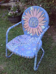 Vintage Lawn Chair Painted with Sunflower by mizip Painted Metal Chairs, Vintage Metal Chairs, Metal Patio Chairs, Old Chairs, Backyard Chairs, Dining Chairs, Pink Chairs, Eames Chairs, Outdoor Chairs