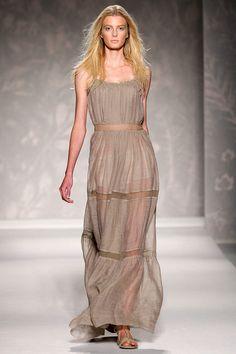 Maxi Dress in Nude/Beige