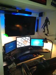 Awesome Video Game Room Ideas for Small Rooms Video game room ideas for game lovers, diy funny setup gaming desk boys organization Gaming Computer Setup, Gamer Setup, Pc Setup, Desk Setup, Room Setup, Gaming Desktops, Videogames, Boys Desk, Gaming Station