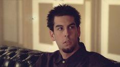 Screenshot from Papercut music video by Linkin Park Linkin Park Music Videos, Paper Cutting, Log Projects, Amor