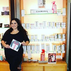 """Today's #Aesthetician highlight is: Lexie from @changeswc!  She loves the #COSMEDIX line because """"from day one, COSMEDIX has sourced the finest ingredients from all over the world. Borrowing from Nobel Prize-winning technologies and blending them with pure botanical ingredients to create skin care that affects real change."""" What do you love about your aesthetician? #skincare  Image via: @changeswc"""